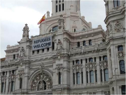 madrid-city-hall-w-banner