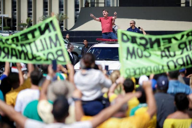 Brazil President Bolsonaro leads anti-lockdown protest in Sao Paulo (4/20)